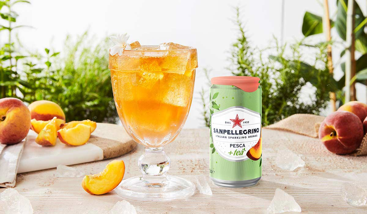 Pesca Sipper non alcoholic cocktail with pink grapefruit